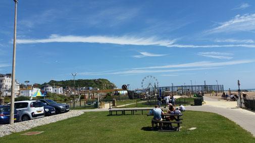 ...Hastings - irgenwie stehen die Engländer auf Volksfeststimmung...