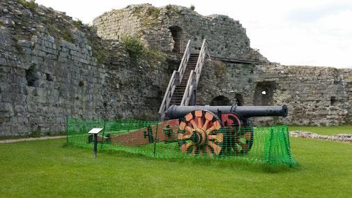 Diese Kanone stand ursprünglich an anderer Stelle und war gegen Süden gerichtet...