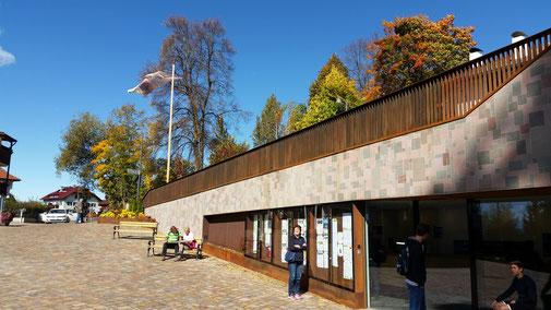 Bergstation Rittenbahn, Oberbozen. Man beachte die Fahne im Hintergrund... Bei Windstille würde sie hängen...