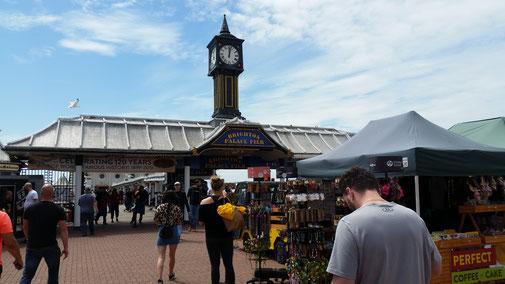 Brighton - der Zugang zum Pier