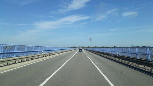 Fahrt über die Rügenbrücke...