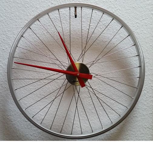 Hängt immer an der Wand - meine Ersatzfelge fürs Bike...