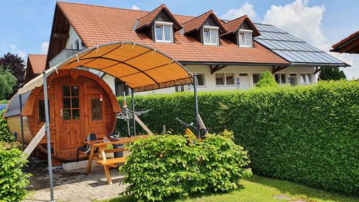 Das besagte Fass auf dem Campingplatz in Almisried am Badsee