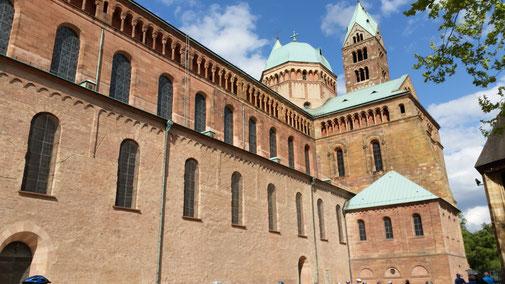 Der Kaiserdom, die größte romanische Kirche der Welt