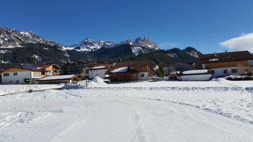 Bildmitte: Läuferspitze, rechts daneben Gimpel und Rote Flüh