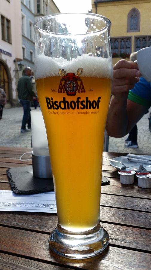 Dieser edle Saft wird von einer der 3 überlebenden Brauereien hergestellt...