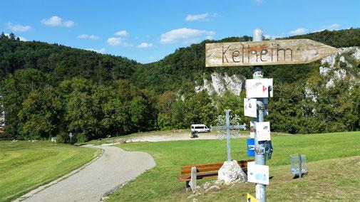 Nun noch eine steile Abfahrt und ich lande direkt im Biergarten des Klosters...