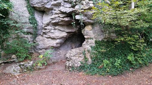 Eingang in die Höhle beim Kahlenstein...