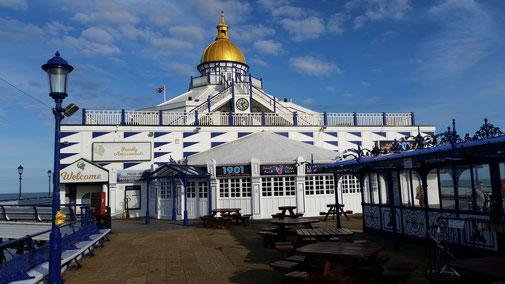 Eastbourne - Touristenkommerz - leider noch alles geschlossen...