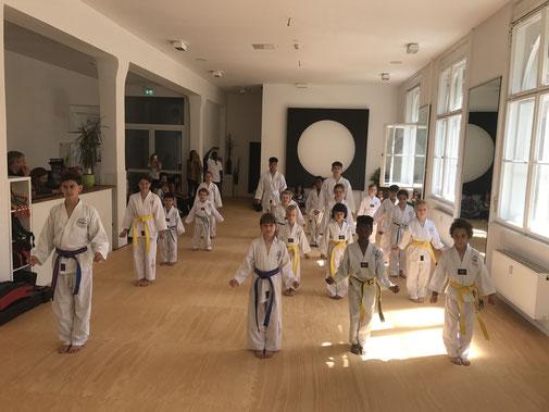 Selbstvertrauen und Disziplin durch Kampfkunst-Unterricht