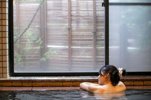 源泉かけ流しの大浴場