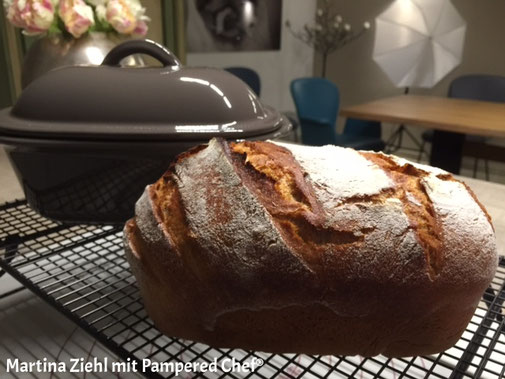 Pampered Chef Brot Rezept Dinkel-Roggen-Brot aus dem kleinen Zaubermeister. Martina Ziehl mit Pampered Chef - Fachberatung mit Onlineshop