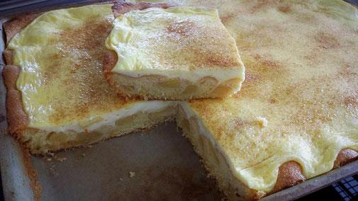 So zauberst du einen wunderbaren Apfelkuchen im Pampered Chef gr. Ofenzauberer. Martina Ziehl mit Pampered Chef #martinaziehl #pamperedchef #apfelkuchen_ofenzauberer #Ofenzauberer_Pamperedchef