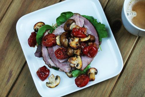 Ham, Lettuce, Tomato & Mushrooms on Toast