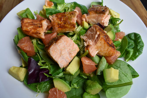 Salmon, Spinach & Grapefruit Salad