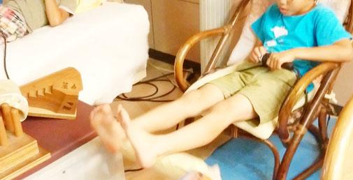 足首の上下運動 千葉県鎌ヶ谷市の「皇法指圧」・アーク光線療法・上下運動の整体院 自然医学療法センター橋本です。