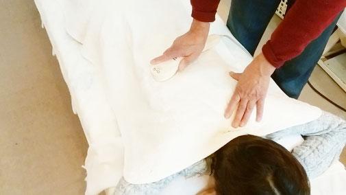 温熱療法です 千葉県鎌ヶ谷市の「皇法指圧」・アーク光線療法の整体院 自然医学療法センター橋本です。
