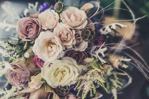 Les Coins Heureux Wedding planner Paris et Île-de-France Bouquet de fleurs pastel