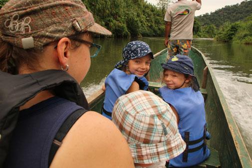 Mit dem Kanu zu den Bribri auf dem Rio Yorkin