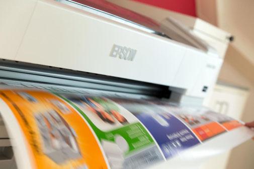 Professionelle Druckvorstufe bis zur Produktion – für perfekte Ergebnisse.