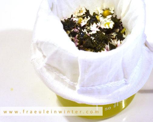 Gänseblümchen in Seife   Handmade Soap by Fraeulein Winter