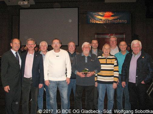 Foto: Neujahrsempfang DGB Gladbeck, Gruppenbild IG BCE Ortsgruppe Gladbeck-Süd mit Josef Hülsdüncker,2018