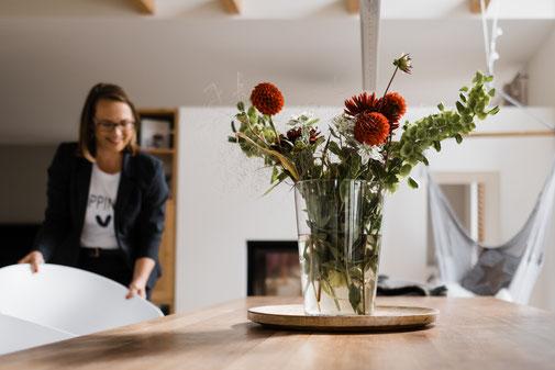 SehensWerte in Lübbecke: Frauke Fründ bei der Arbeit - Einrichten und Homestaging