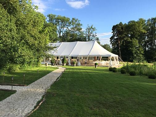 CHAPITEAU BAMBOU MARIAGE CHIC ET CHAMPÊTRE se marier dans un chateau 77 île de france paris chic romantique nature forêt