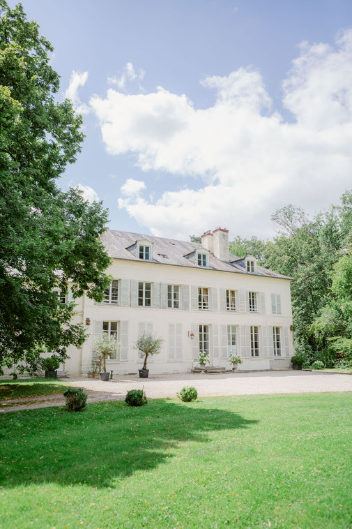 Private chateau and exclusive hire for wedding near Paris. wedding venue in france chateau burgundy french wedding chateau elegant chateau for wedding france wedding venue france burgundy