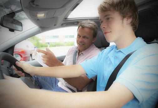 Mentales Training hilft auch zur Vorbereitung der Autofahrprüfung und vielem mehr…