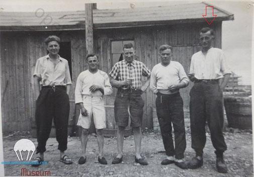 André SERRE, dans le camp de prisonnier de guerre en Allemagne. 1941.