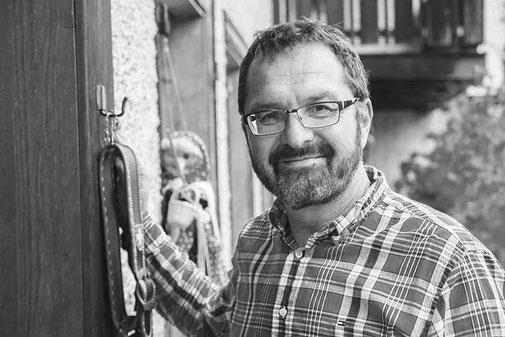 René Bertschinger, Treuhänder und Schuldensanierer, staatlich anerkannter Sachwalter