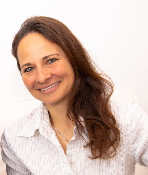 Kerstin Freudenberg, Expertin für Kinderhypnose, Sonja Müller Akademie, ursachenbasierte Hypnoanalyse nach Müller (UHAM)