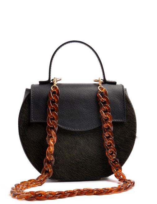 Edle schwarze Trachtentasche in aktueller elegantem aus Leder . OSTWALD Traditional Craft