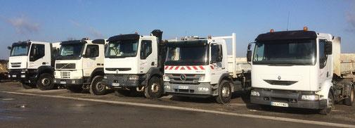 flotte de camions, camion-grue et camion-benne de l'entreprise de Travaux Publics CAZORLA TP