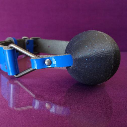glitter gag blue ballgag blue leather ball gag blue patent leather gag blue ball gag blauwe ballgag blauw leren gag lederen ballgag blauwe leren ballgag blauwe gag blauwe ball gag lakleren ballgag