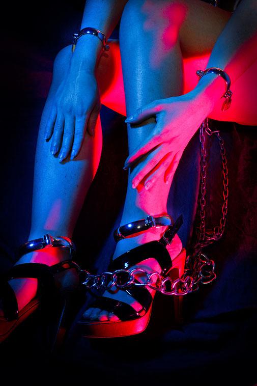 metal shackles metal hand shackles metal cuffs metal handcuffs metal wrist cuffs alloy leg shackles metal ankle shackles metalen shackles metalen handboeien metalen polsboeien metalen boeien metalen enkelboeien