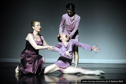 PERSONA   (2009) Choreography: Liliana Barros / Soprano: Sofia Fomina/ Dancer: Aoi Nakamura
