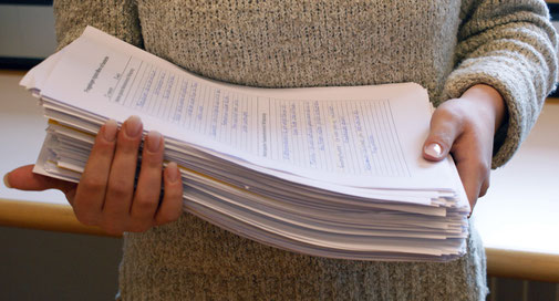 Der Stapel mit den Umfrageblättern war ganze 5 cm dick.