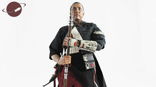 Chirrut Imwe Rogue One Star Wars Story Sixth Scale Collectible Hot Toys Review Figuren FANwerk