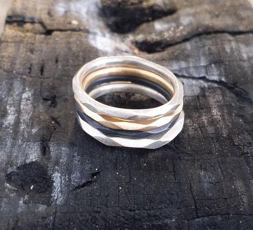 schmaler ring, facettiert, facetten, handgefertigt, sterling silber, vergoldet, designerin maren düsel, düsseldorf