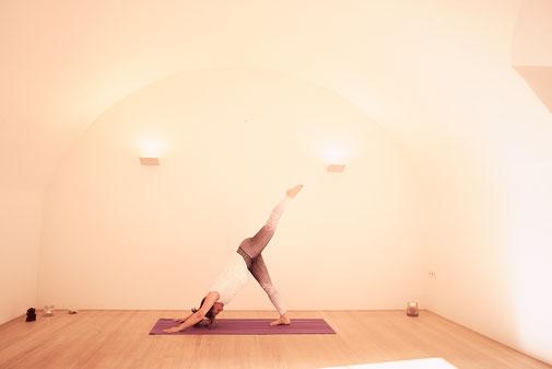 Yogaübung im Kapuzienerkloster Feldkirch
