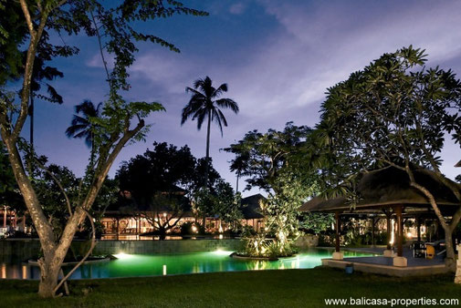 Nusa Dua penthouse with 2 bedrooms located in a luxurious hotel complex.