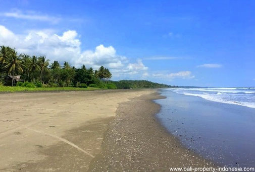 22 are beachfront land for sale in West Bali
