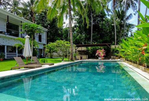 Manggis villa for sale with ocean views