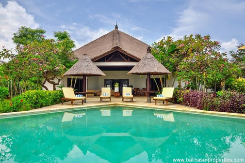 Umeanyar beachfront villa with totally 2 bedrooms.