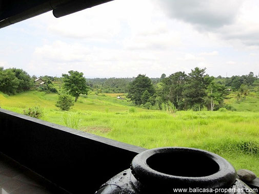 Klungkung villa for sale with 2 bedrooms and a beautiful panorama.