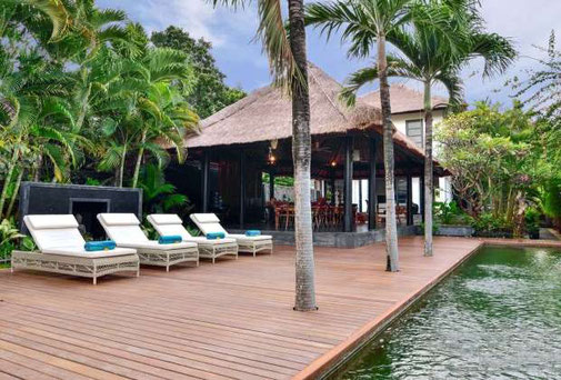 Lovina guesthouse for sale with direct beach access, totally 6 bedrooms available.