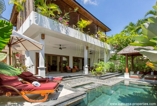 Seminyak 2 bedroom villa for rent near the beaches