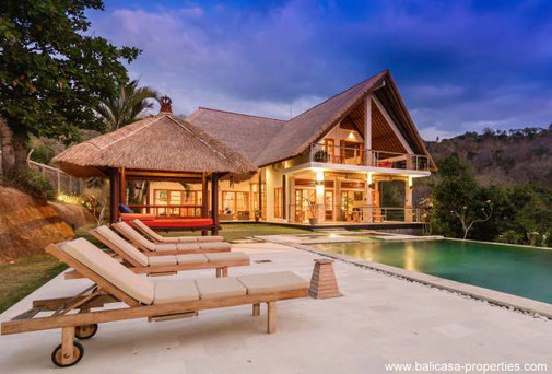 North Bali hillside villa with views over the valley and ocean